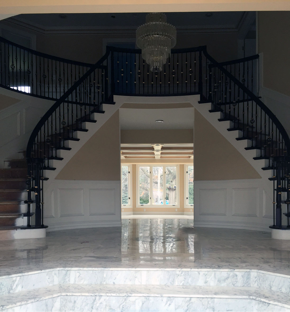 STAIRCASE RENOVATION AND REMODELING